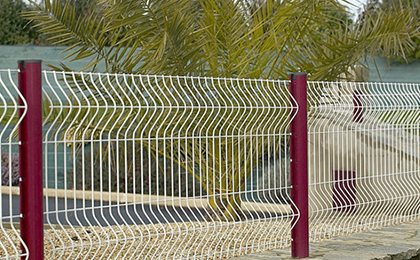 桃型柱护栏网