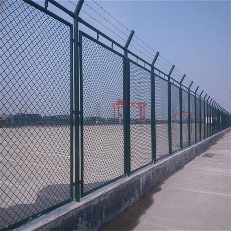 护栏网厂家对护栏网进行包装